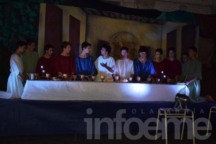 Se realizó el Vía Crucis Solidario en el Paseo Mendía