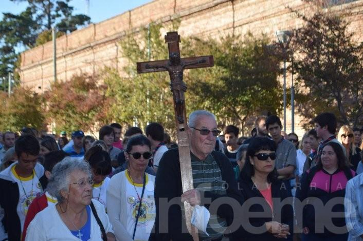 Desde Monte Viggiano los fieles peregrinan hasta la Virgen de la Loma