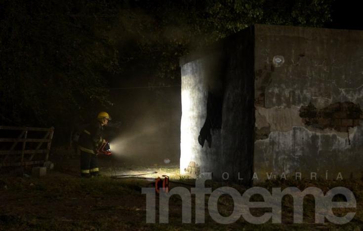 Incendio en una vivienda prefabricada
