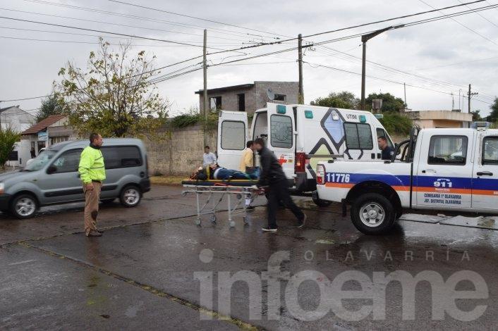 Choque entre un auto y una moto en Pueblo Nuevo