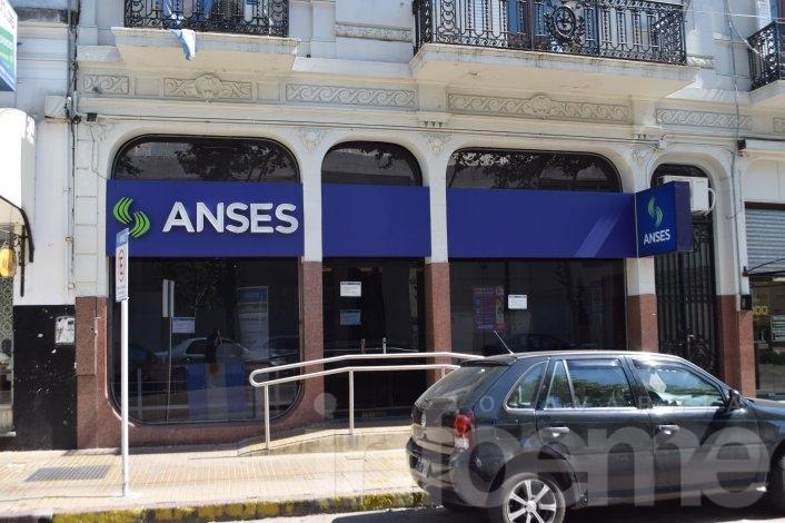 Pro.Cre.Ar: Empleados del Banco Hipotecario atienden consultas en el Anses