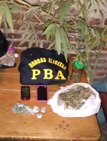Secuestran marihuana y cocaína fraccionada para la venta