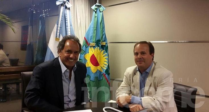 Coll Arreco se mostró con Scioli y Eseverri ironizó por Twitter