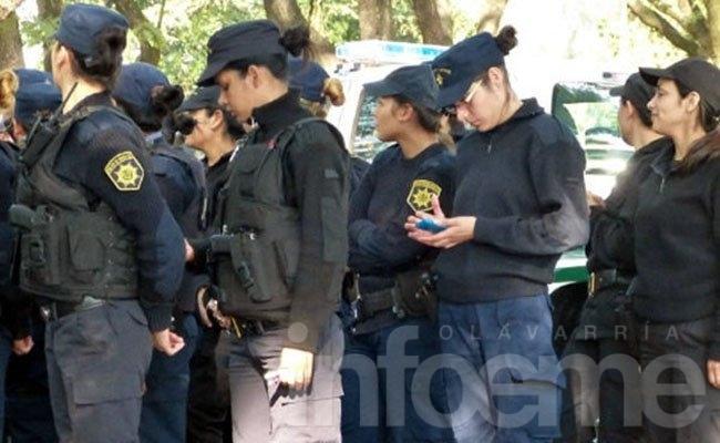 Prohíben a los policías de la Bonaerense usar sus teléfonos celulares durante el horario laboral