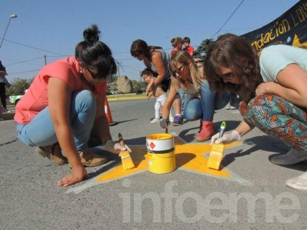 Pintaron una estrella amarilla en memoria de un lomanegrense