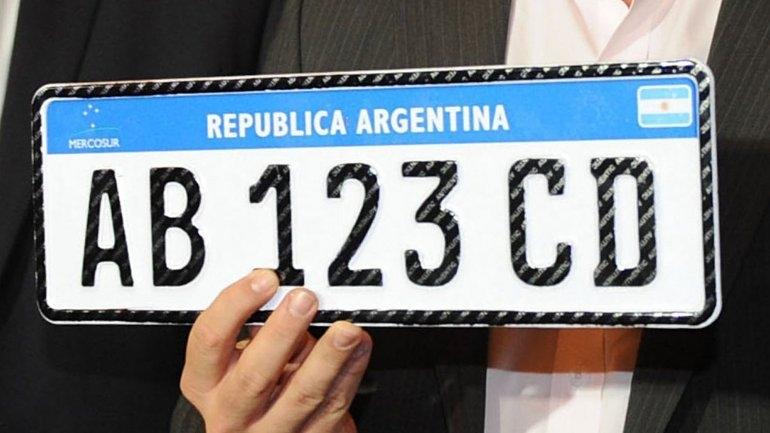"""Desde este viernes empieza a regir la nueva """"Patente Mercosur"""""""