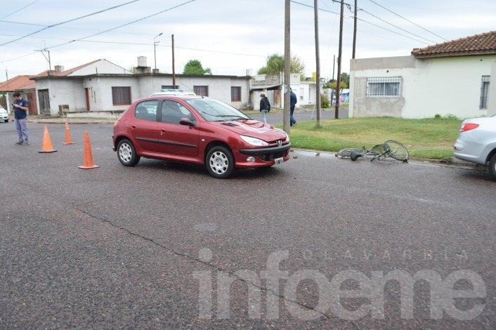 Choque en barrio Sarmiento: un ciclista herido