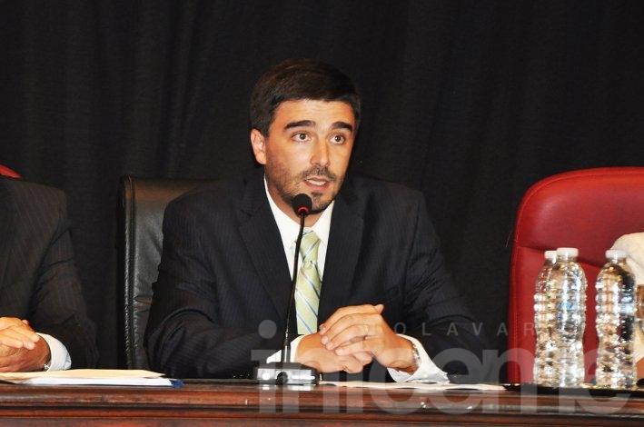 Con críticas y anuncios, Galli abrió las sesiones del HCD