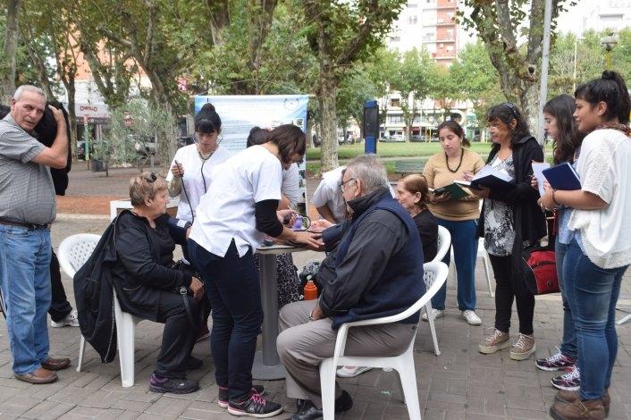Controles gratuitos y campaña de concientización por el Día Mundial de la Salud