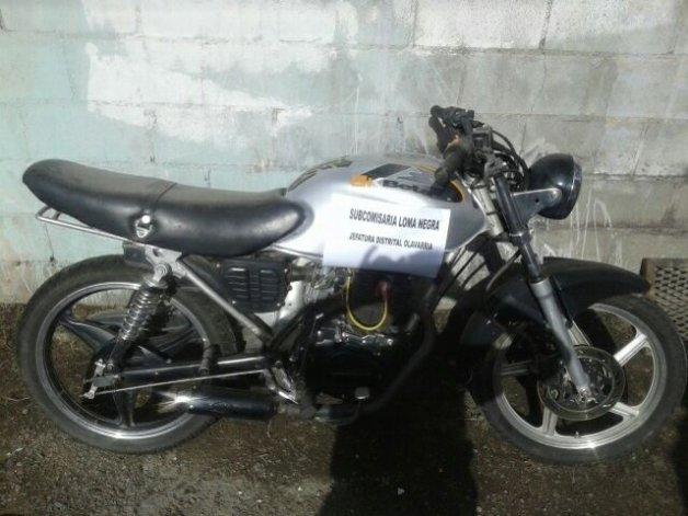 Secuestran una motocicleta en Loma Negra