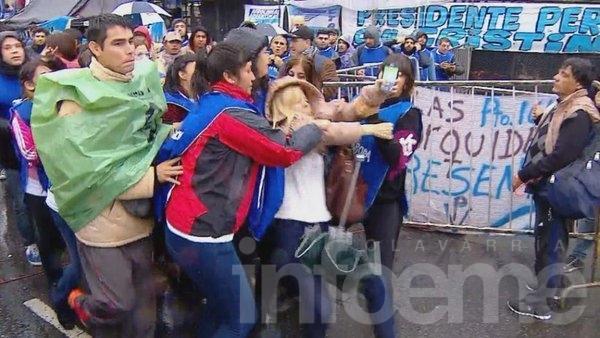 La periodista Mercedes Ninci fue agredida por militantes K