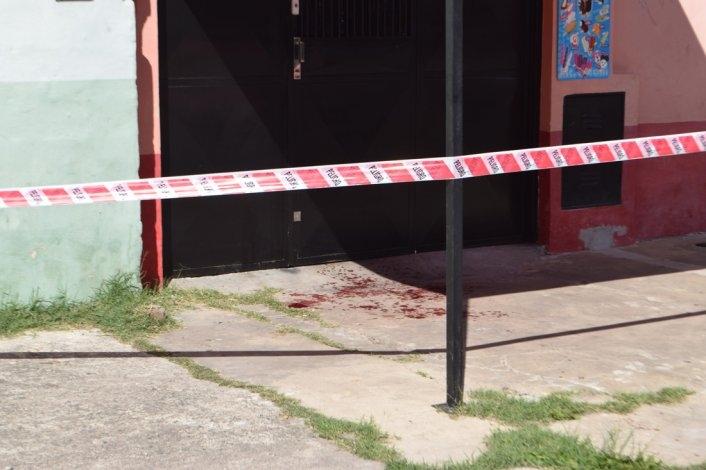 Violencia juvenil: la atacó con un arma blanca y se la clavó en el cuello