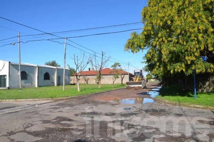 Realizan trabajos para pavimentación en Villa Mailín
