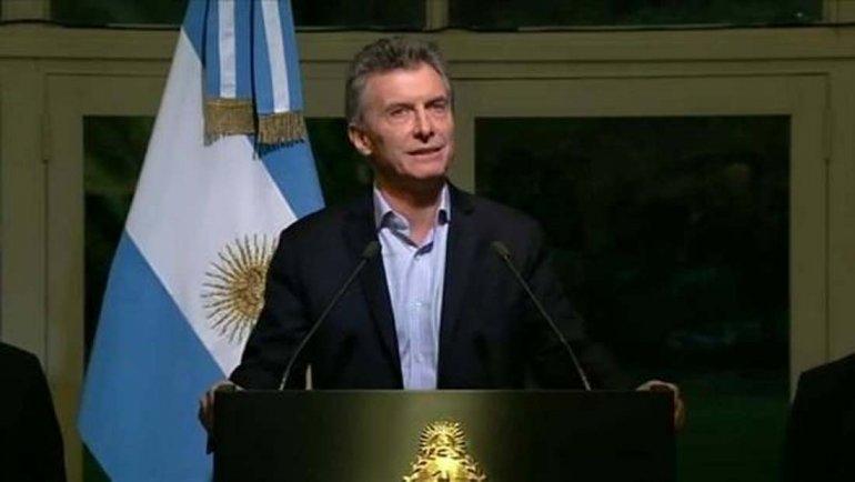 Macri analiza vetar el proyecto contra los despidos