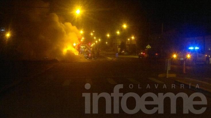 Un incendio y dos accidentes en las primeras horas del domingo