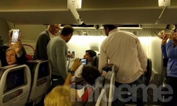 En vuelo a Miami, escracharon a Carlos Zannini