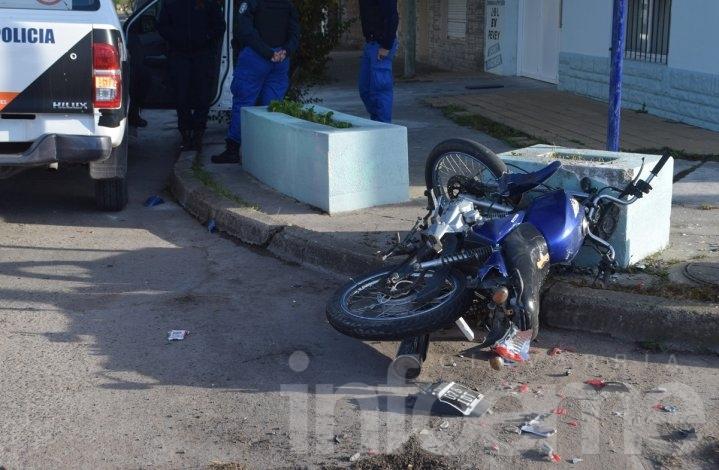 Dos motociclistas heridos en un fuerte choque