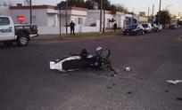Motociclista con heridas de consideración en un fuerte choque con un auto