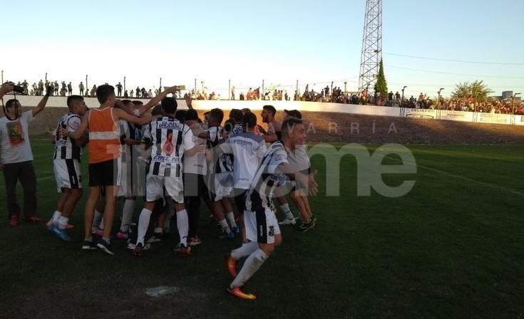 El fútbol olavarriense sonríe: Estudiantes y El Fortín están en la final