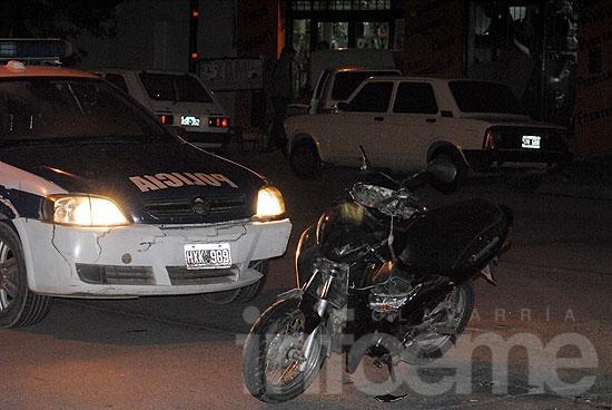 Motociclista herido tras chocar con un auto