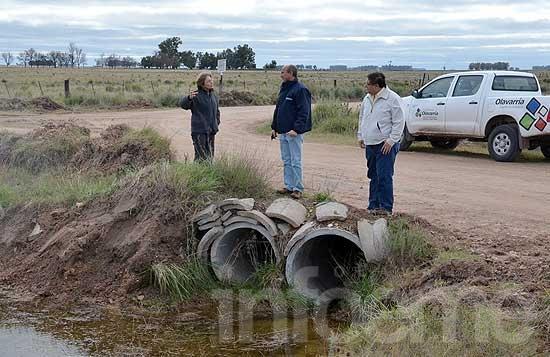 Tras la lluvia que afectó los caminos de Espigas en abril comenzaron los trabajos de reparación