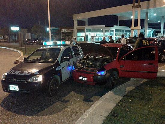Tras persecución, detienen un auto que llevaba droga