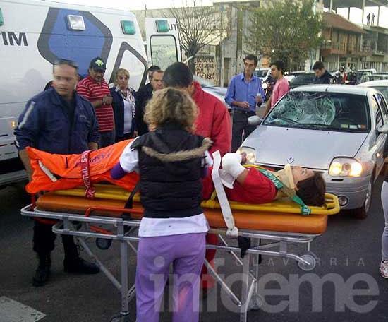 Adolescente fue arrollada por un auto en la avenida Pringles