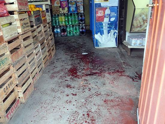 Asaltan y golpean al titular del Centro de almaceneros