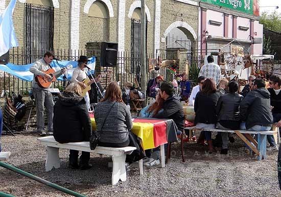 Colonia Hinojo celebró el cumpleaños de la Patria con espíritu alemán