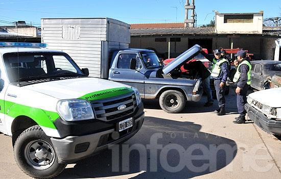 Secuestran camioneta que transportaba insumos de panadería sin habilitación municipal