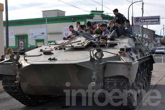 El ejército festejó su día con los más chicos