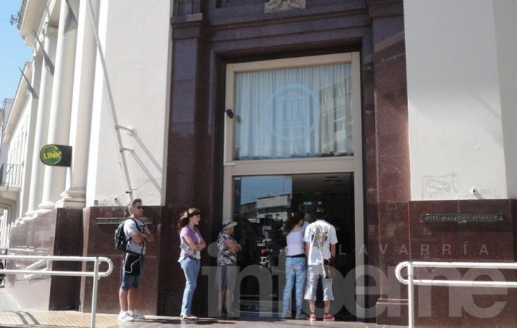 Bancarios ratificaron el paro de este martes