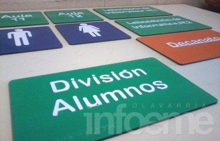 Internos de la Unidad 38 fabrican señalizaciones en braille para la Facso