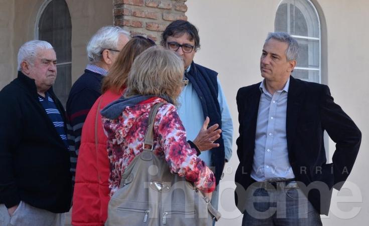 Eseverri se reunió con vecinos del barrio Coronel Dorrego