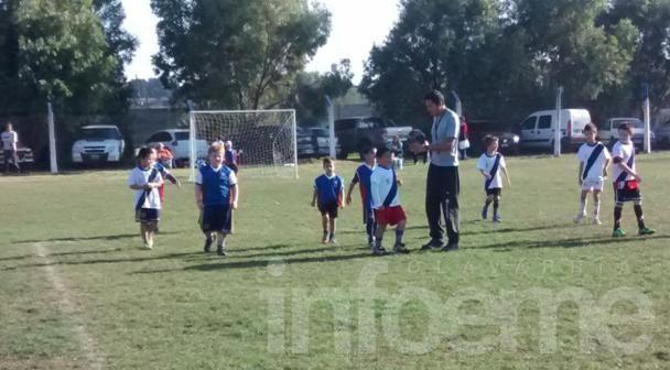 Encuentro de escuelitas de fútbol en el CEF 100
