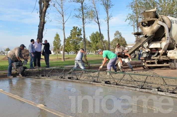Campus Universitario: Pavimentaron la calle de salida