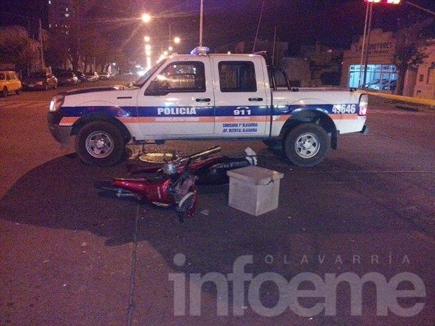 Un motomandados herido al chocar con una Kangoo