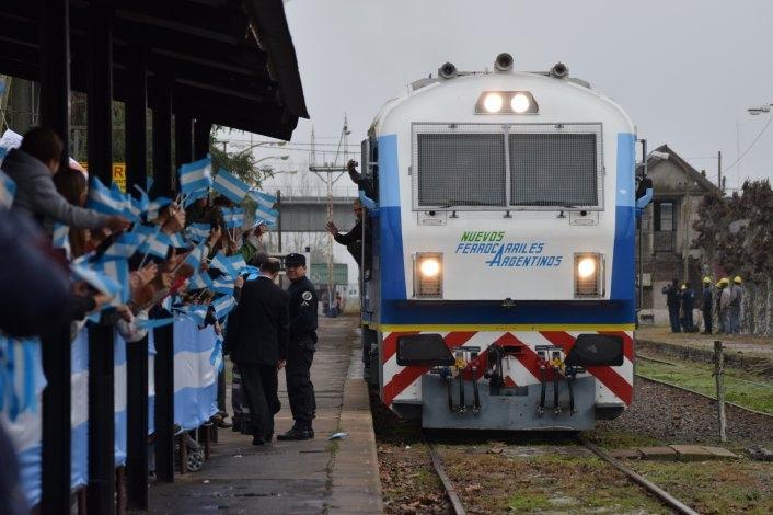La llegada del tren a #Olavarría en las redes