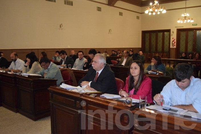 El HCD sesionó sobre el busto de Uriburu y la adhesión a la marcha #NiUnaMenos
