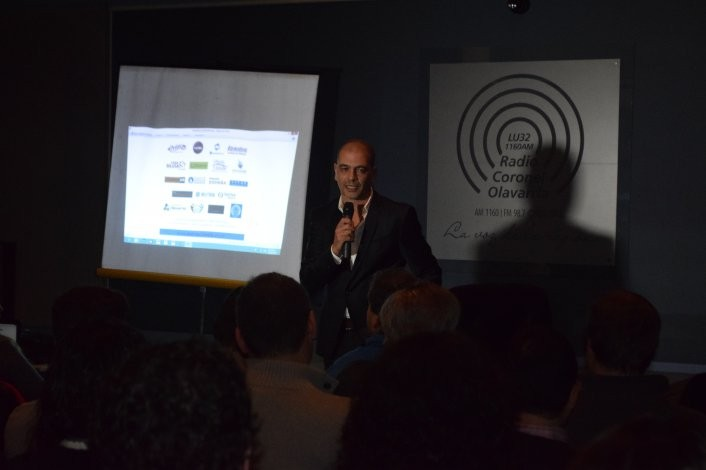 """""""Oveja"""" Hernández dio una charla a beneficio de la Asociación ELA"""