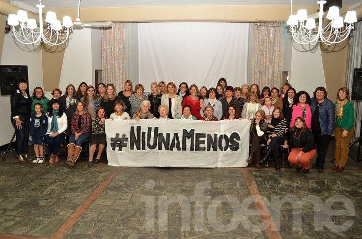 Mujeres destacadas de Olavarría unidas bajo el lema #NiUnaMenos