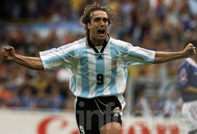Batistuta disparó contra el fútbol argentino