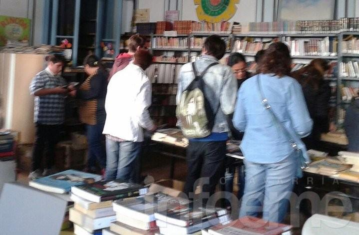 Biblioteca venderá libros usados para recaudar fondos