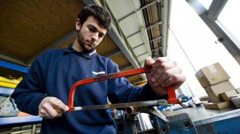 Los jóvenes de entre 18 y 25 años cambian de trabajo en menos de tres años
