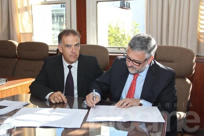 Convenio entre Colegio de Abogados y ministro de Trabajo