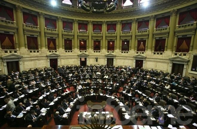 Se trata la ley antidespidos en Diputados