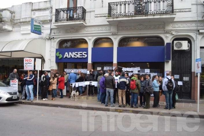 Sigue el paro en ANSES: hubo una concentración en la sede