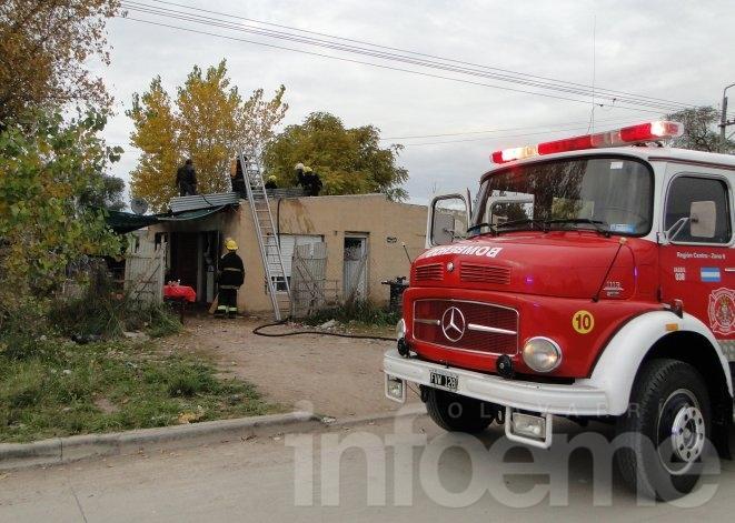 Se incendió el cielorraso de una vivienda