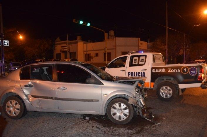 Tremendo choque en un semáforo de Avenida Del Valle