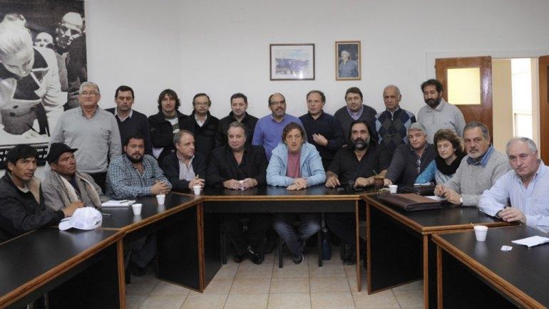 Gremios bonaerenses marcharán este jueves en La Plata